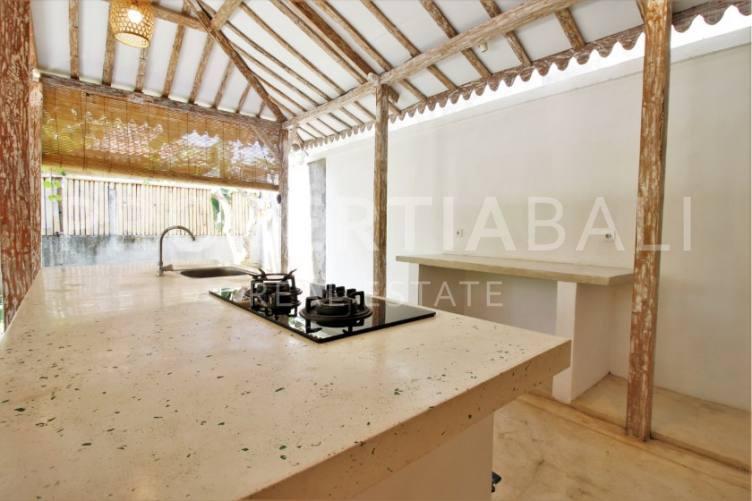 Bali, 2 Bedrooms Bedrooms, ,2 BathroomsBathrooms,Yearly Rental,For rent,2004