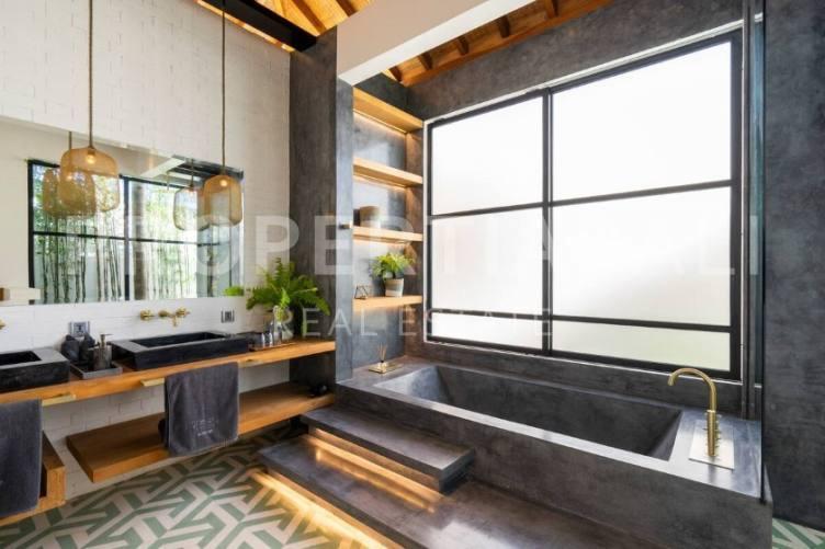 Bali, 7 Bedrooms Bedrooms, ,7 BathroomsBathrooms,Yearly Rental,For rent,2237