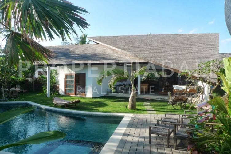 Bali, 3 Bedrooms Bedrooms, ,3 BathroomsBathrooms,Yearly Rental,For rent,2301