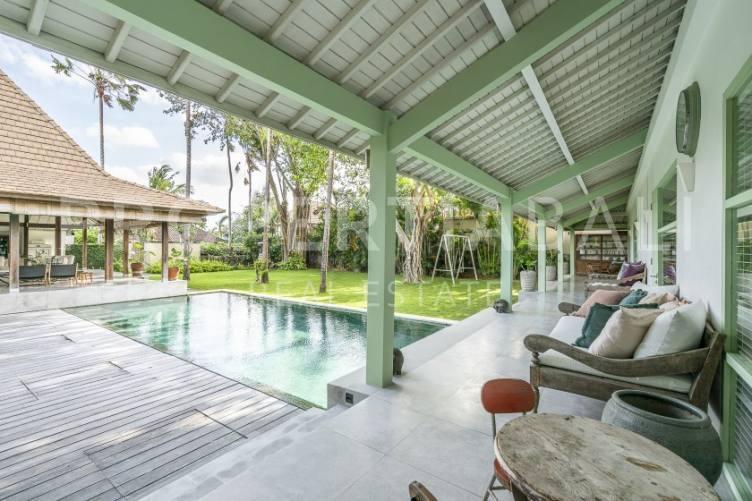 Bali, 3 Bedrooms Bedrooms, ,4 BathroomsBathrooms,Yearly Rental,For rent,2302