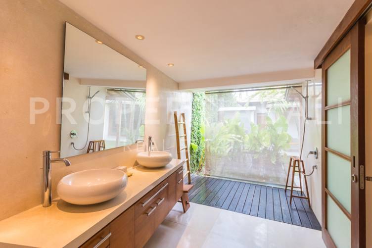 Bali, 3 Bedrooms Bedrooms, ,4 BathroomsBathrooms,Leasehold Villa,For sale villa,2361