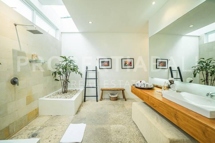 Bali, 3 Bedrooms Bedrooms, ,3 BathroomsBathrooms,Yearly Rental,For rent,2406