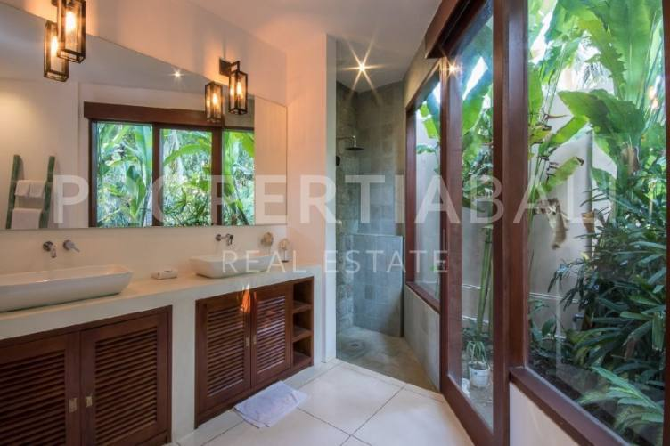 Bali, 7 Bedrooms Bedrooms, ,7 BathroomsBathrooms,Yearly Rental,For rent,2441