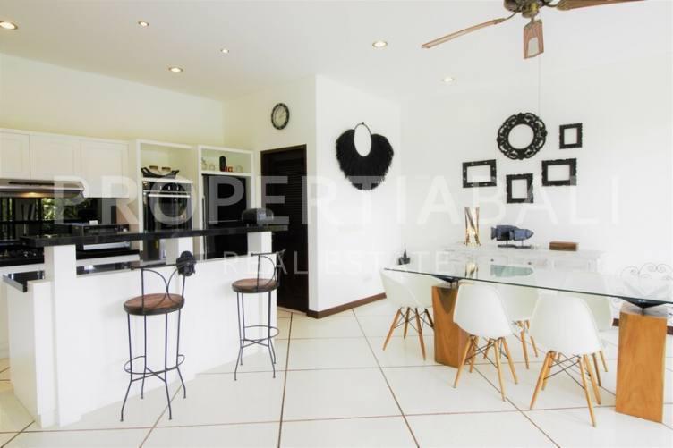 Bali, 4 Bedrooms Bedrooms, ,4 BathroomsBathrooms,Yearly Rental,For rent,2462