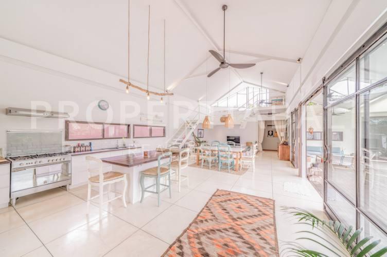 Bali, 4 Bedrooms Bedrooms, ,3.5 BathroomsBathrooms,Yearly Rental,For rent,2465
