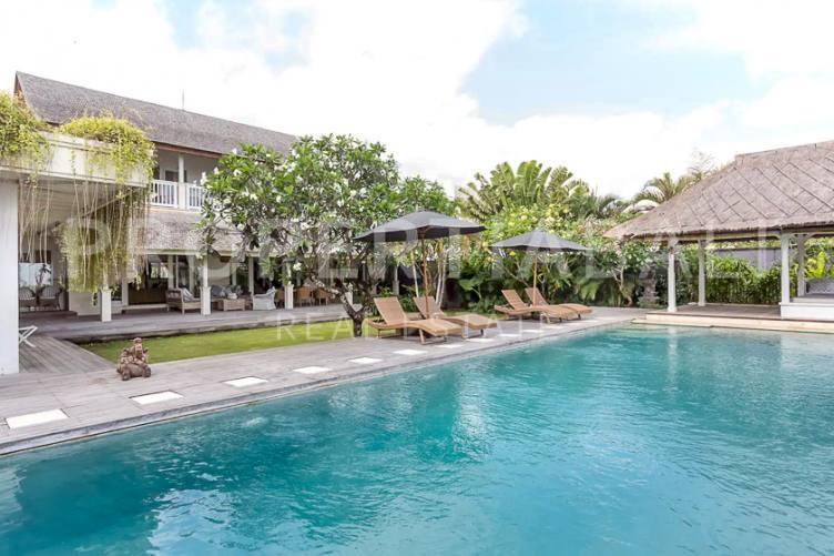 Bali, 4 Bedrooms Bedrooms, ,4 BathroomsBathrooms,Yearly Rental,For rent,2517