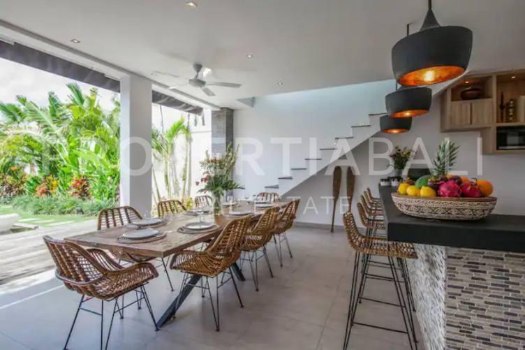 Bali, 4 Bedrooms Bedrooms, ,4 BathroomsBathrooms,Yearly Rental,For rent,2597