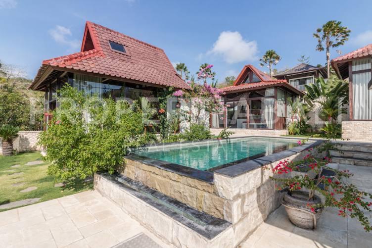 Bali, 3 Bedrooms Bedrooms, ,4 BathroomsBathrooms,Yearly Rental,For rent,2700
