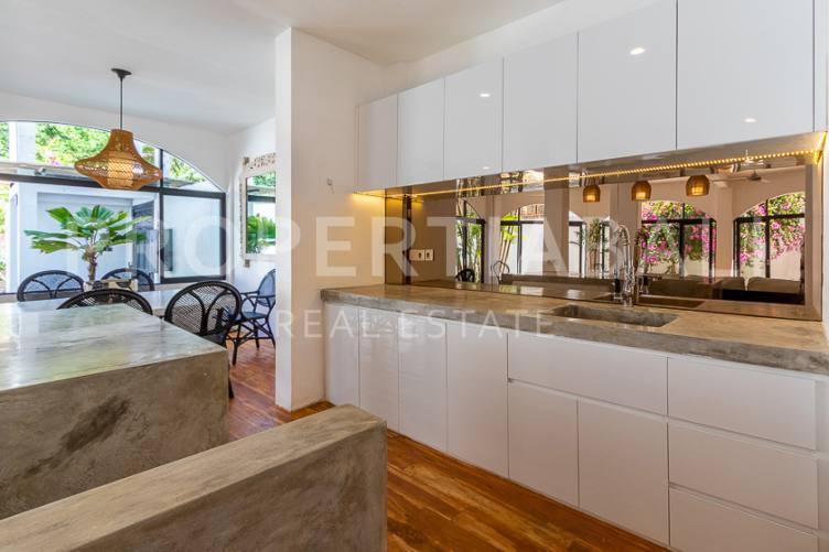 Bali, 5 Bedrooms Bedrooms, ,4 BathroomsBathrooms,Yearly Rental,For rent,2845