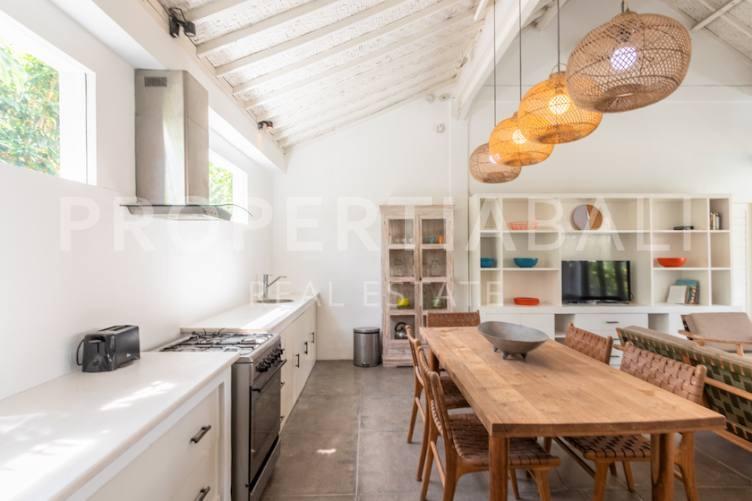 Bali, 2 Bedrooms Bedrooms, ,2 BathroomsBathrooms,Yearly Rental,For rent,2860
